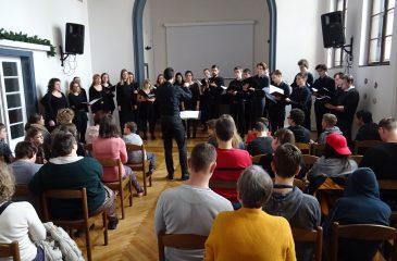 KD marec 2020 komorni zbor Akademije za glasbo_dvorana